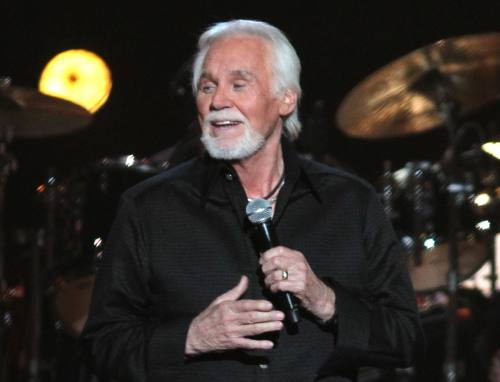 Kenny Rogers cancels his tour due to ill health