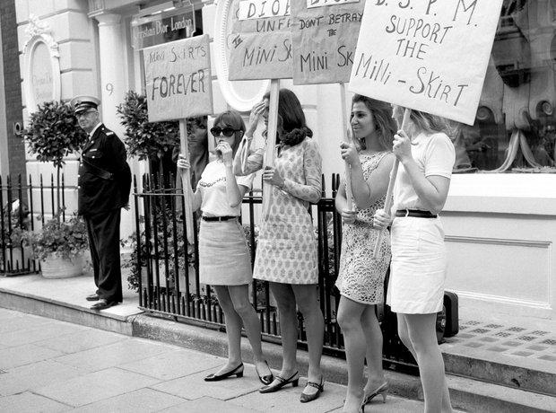 Girls in mini skirts in the 1960s