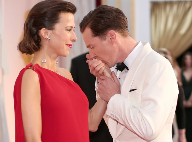 Benedict Cumberbatch kisses Sophie Hunter hand
