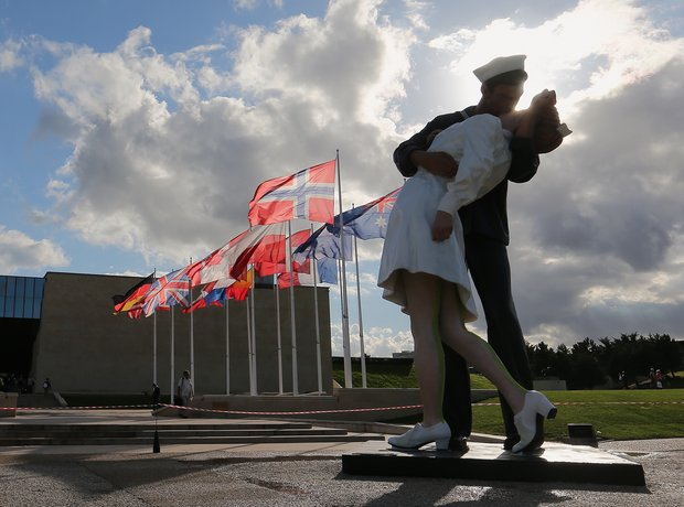 Unconditional Surrender kiss
