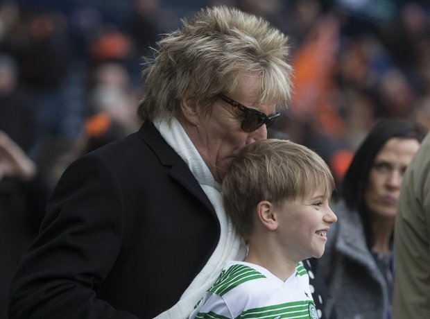 Rod Stewart kisses son Alastair
