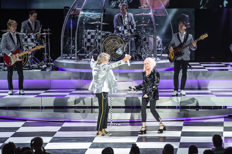 Cyndi Lauper and Rod Stewart