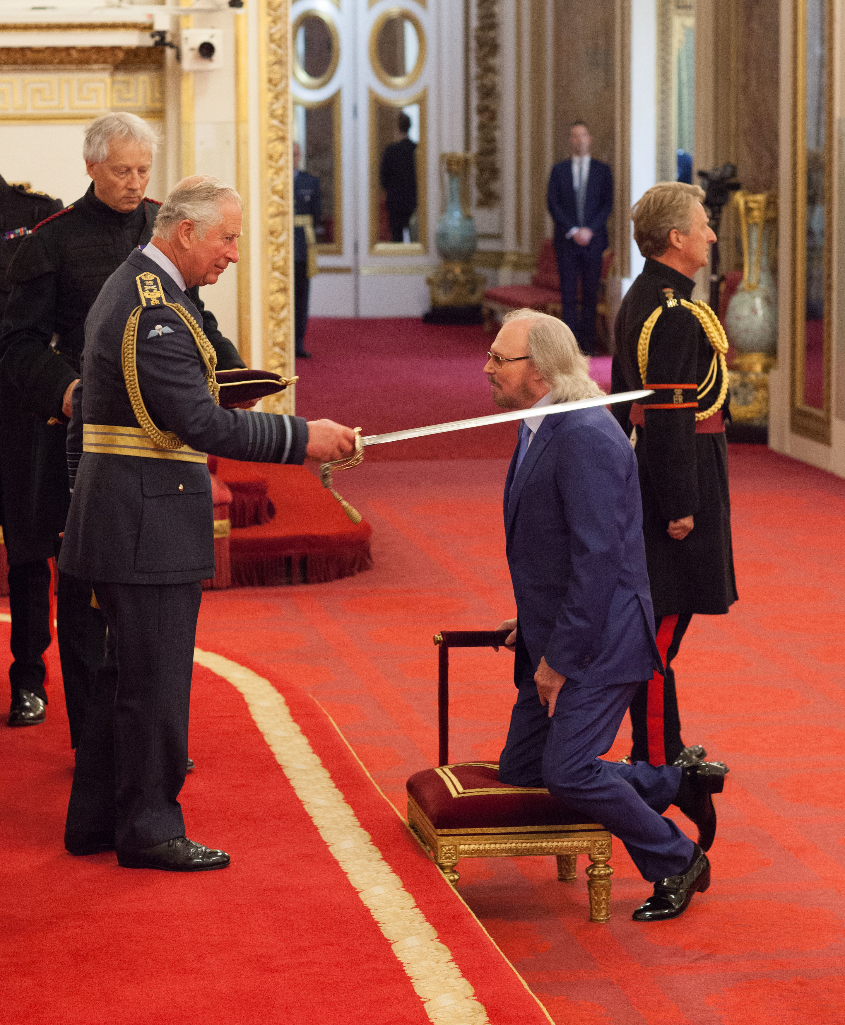 Bee Gees' Barry Gibb honored at Buckingham Palace with knighthood