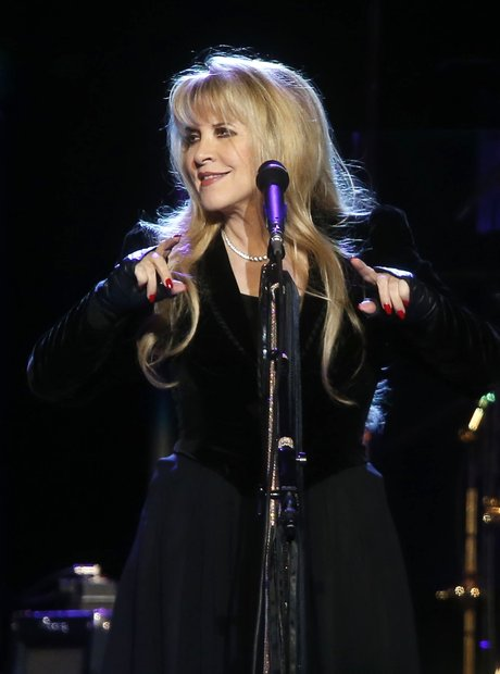 stevie nicks songs age style relationships and fleetwood mac