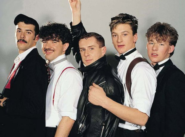 1  Who was the lead singer of '80s band Frankie Goes To Hollywood