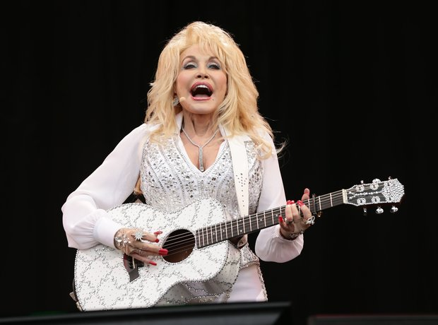 Dolly Parton at Glastonbury 2014