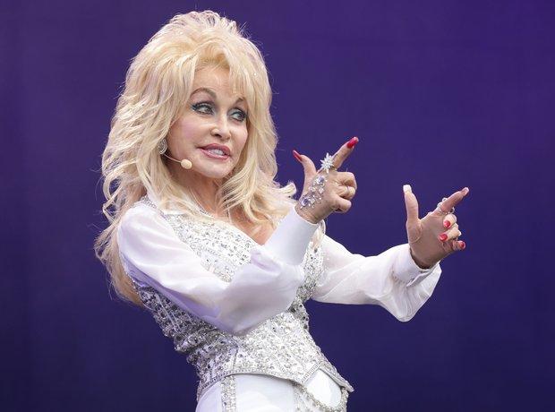 Dolly Parton was the queen of Glastonbury 2014