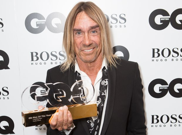 Iggy Pop after winning the Icon award at the GQ Me