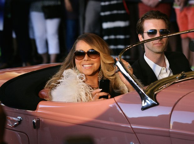 Mariah Carey in car