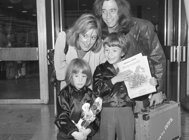 Robin Gibb with wife Molly, daughter Melissa and s