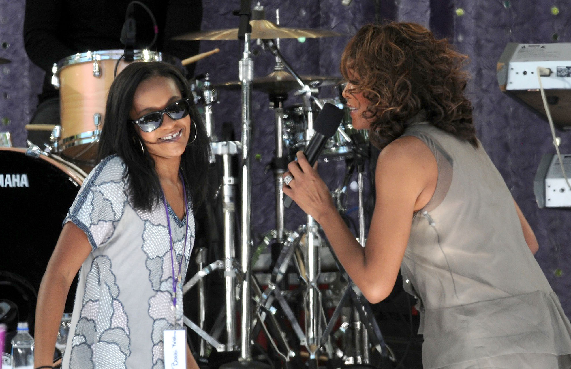 Whitney Houston and Bobbi Kristina perform