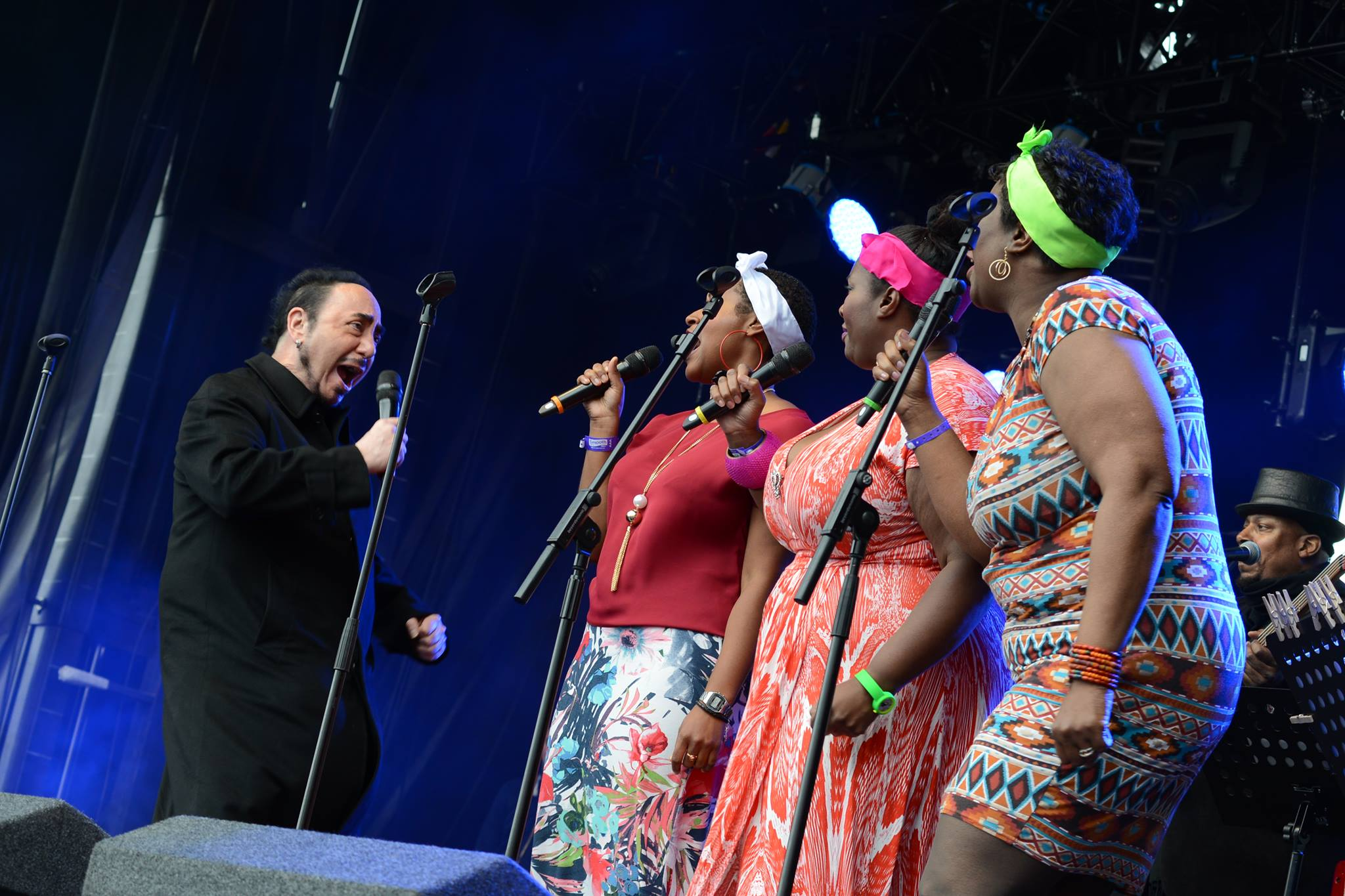 David Gest and The Hump Family Singers