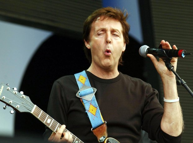 Funny Faces Pulled On Stage