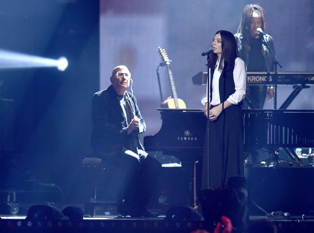 Lorde David Bowie Tribute The Brits 2016 Live Perf