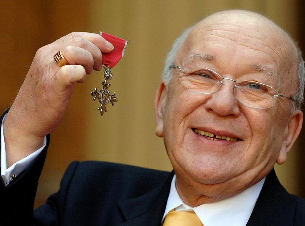 Roy Barraclough dies, aged 81