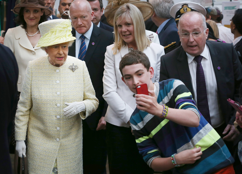 Queen selfie