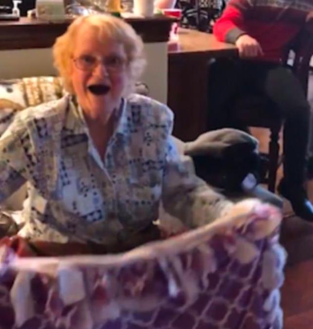 Grandma receives new chemo blanket