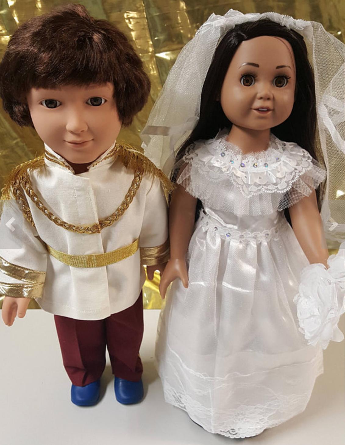 Harry Meghan Dolls 1