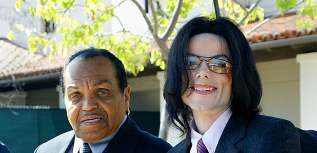 c8f40252f8bfb Michael Jackson s brothers say they re banned from seeing their ...
